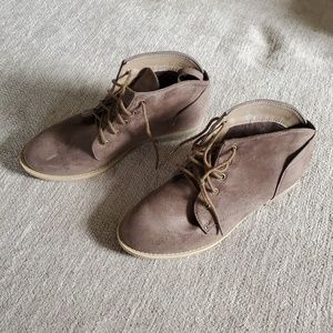 Chloe Ankle Boots...Olive...Size 8...EUC...worn 1X